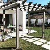 🌤️ Створили територію для затишного відпочинку під непрямим сонцем.Перголою є прибудова з повторюваних секцій стовпів, колон або арок, що з'єднуються між поперечними брусами. ⠀ Пергола може бути як окремою конструкцією, так і прилаштованою до фасаду будівлі й виконувати функцію навісу. Цей архітектурний елемент може красиво з'єднувати павільйони ⛩️ чи будинок з басейном 🏊 ⠀ 🎯 #Woodshed виготовляє перголи з масиву дерева заводської просушки 12-16% вологості. 🎯 Рекомендуємо встановлювати на домкрати 🎯 Маємо понад 10 готових візуалізацій 🎯 Виготовляємо конструкції будь-якої складності на замовлення ⠀ Для розрахунку вартості - директ/вайбер - 067 464 64 52 _______________ ➡Готові планування та ціни: https://woodshed.com.ua/19-pergoly 📞+38 (067) 464 64 52 - шикарна консультація професіоналів
